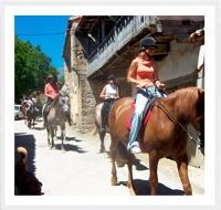 caballos y equitacion en el albergue paradiso de cantabria en familia