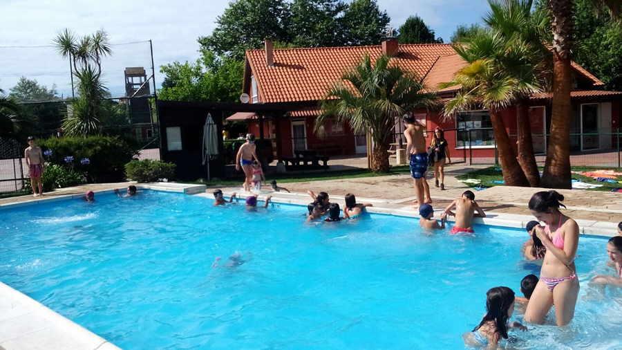 Ofertas y descuentos en fiestas infantiles y celebraciones de cumplea os con caballos piscina - Cumpleanos en piscina ...