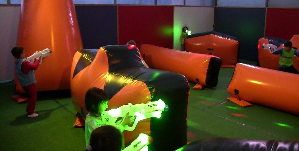 niños jugando al Laser Combat en Cantabria en cantabria