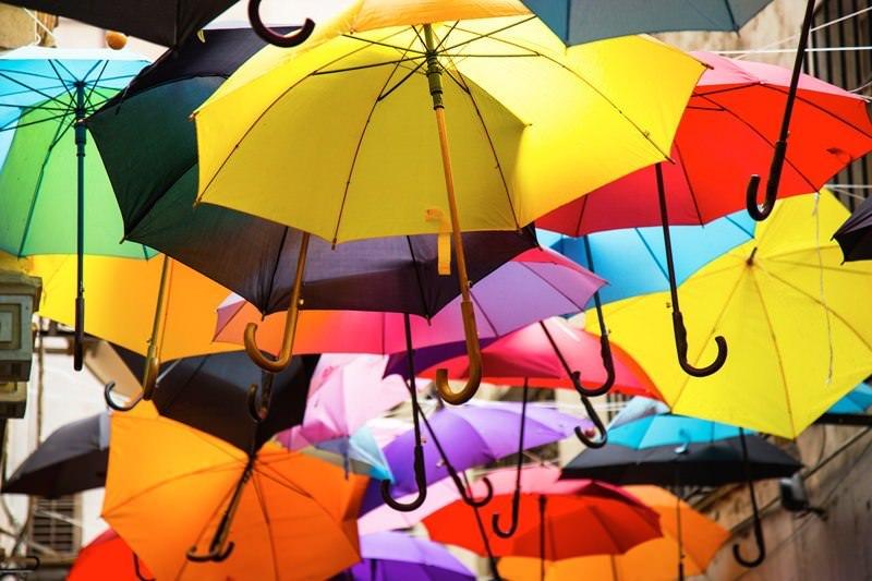 paraguas en día de lluvia en cantabria